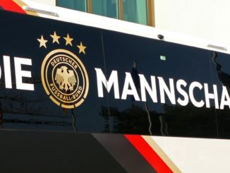 Nationalmannschaft-Bus