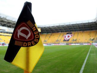 Motivation von den Fans für Dynamo Dresden. ©FIRO/SID