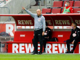 Uwe Rösler fordert gegen Schalke 04 einen Sieg. ©AFP