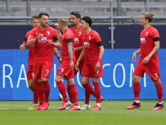 Der FC Augsburg gewinnt auf Schalke mit 3:0. ©AFP