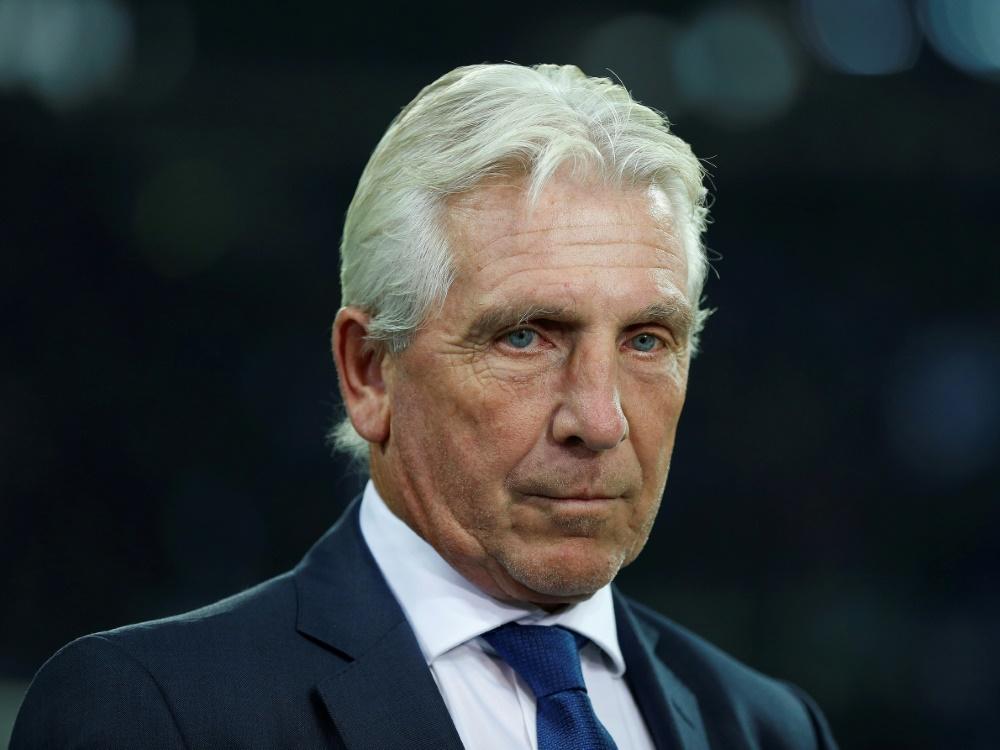 Fischer warnt vor schweren Zeiten beim FC Schalke 04. ©PIXATHLON/SID