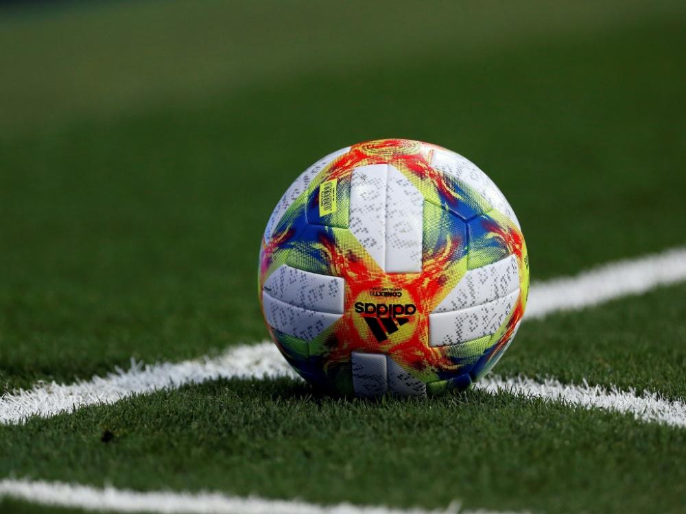 Sieben Spieltage vor Saisonende: Livorno verliert 18 Profis