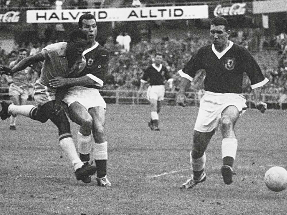 Pele (l.) wurde durch die WM 1958 zum Weltstar. ©SID STAFF