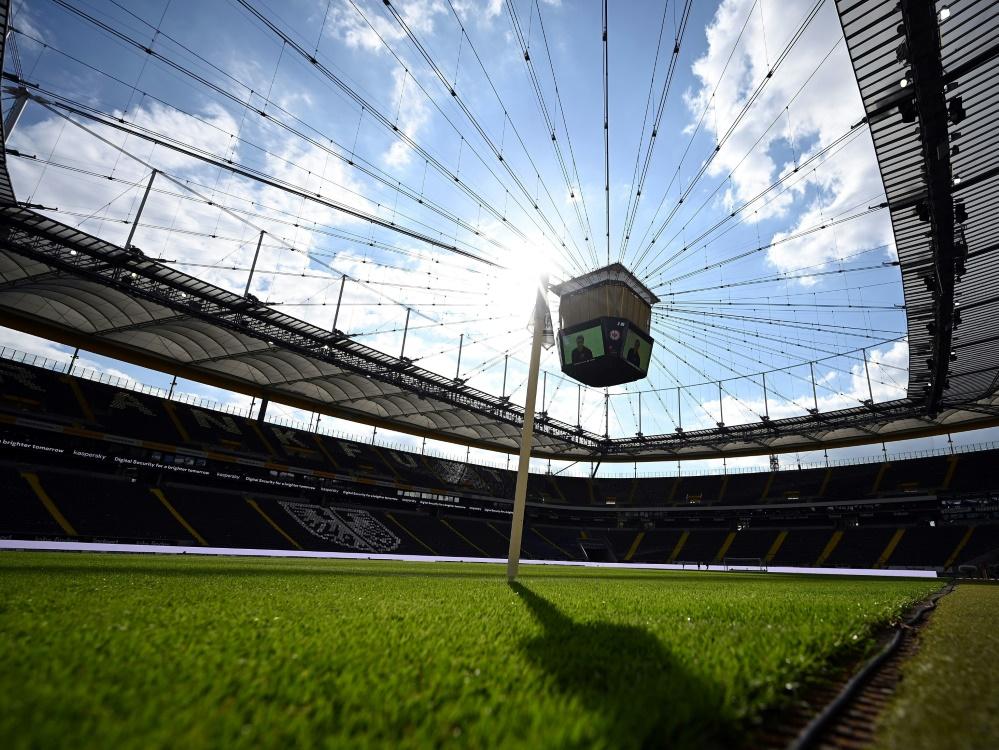 Fankfurt plant mit 20.000 Fans bei den Heimspielen. ©FIRO/SID