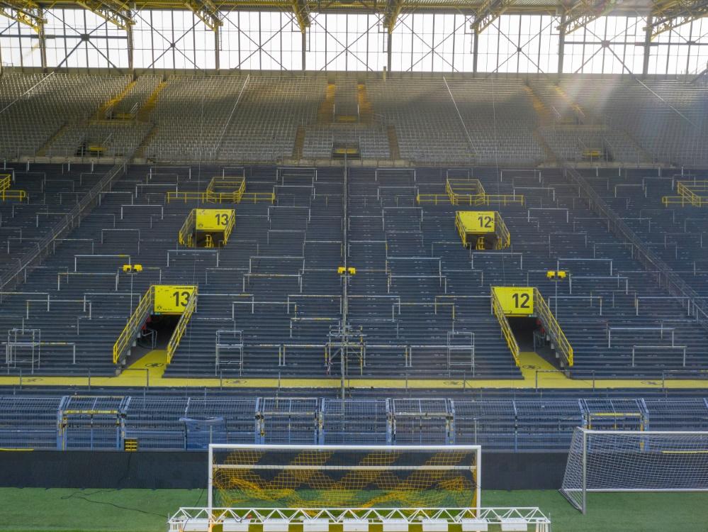 Fußballfans in Stadien? DFL in Gesprächen mit Gesundheitsministerium