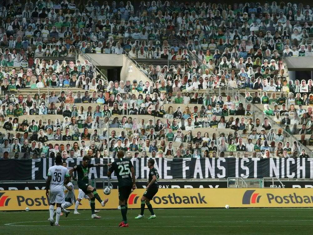 Zuletzt wurden Gladbach-Fans durch Pappfiguren ersetzt. ©FIRO/SID