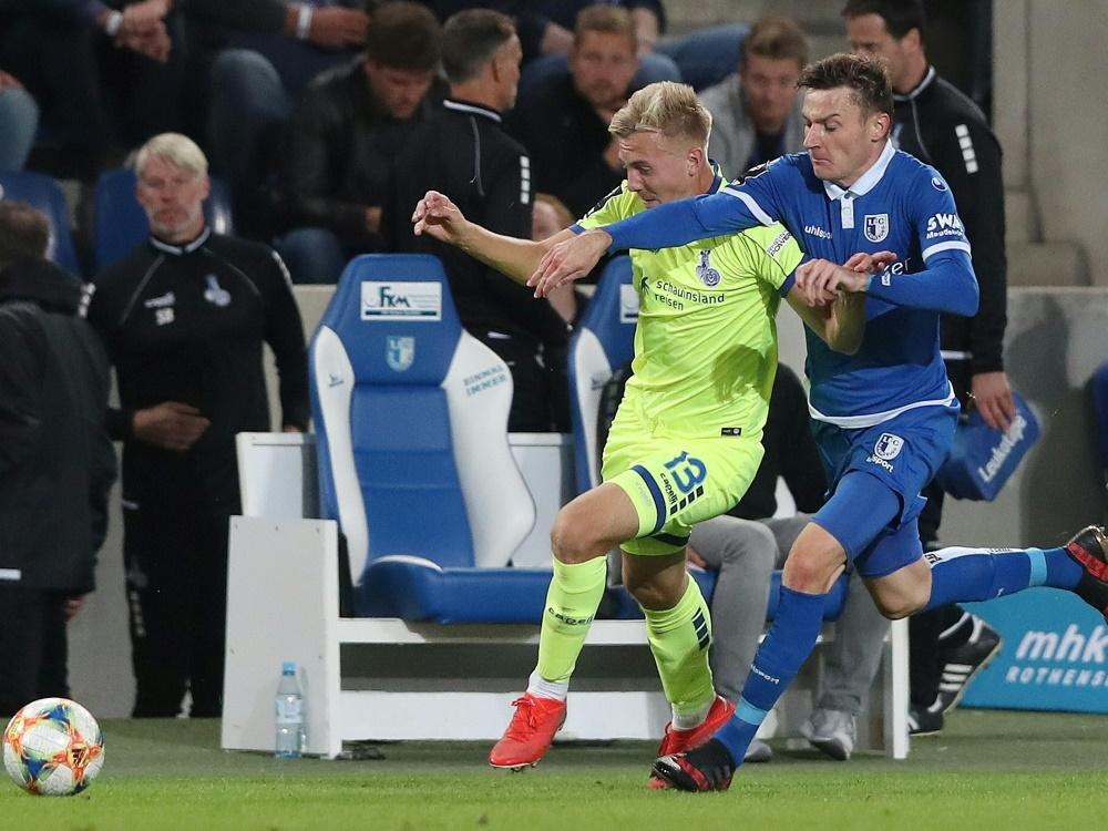 Auch Laprevotte (r.) muss den 1. FC Magdeburg verlassen. ©FIRO/SID