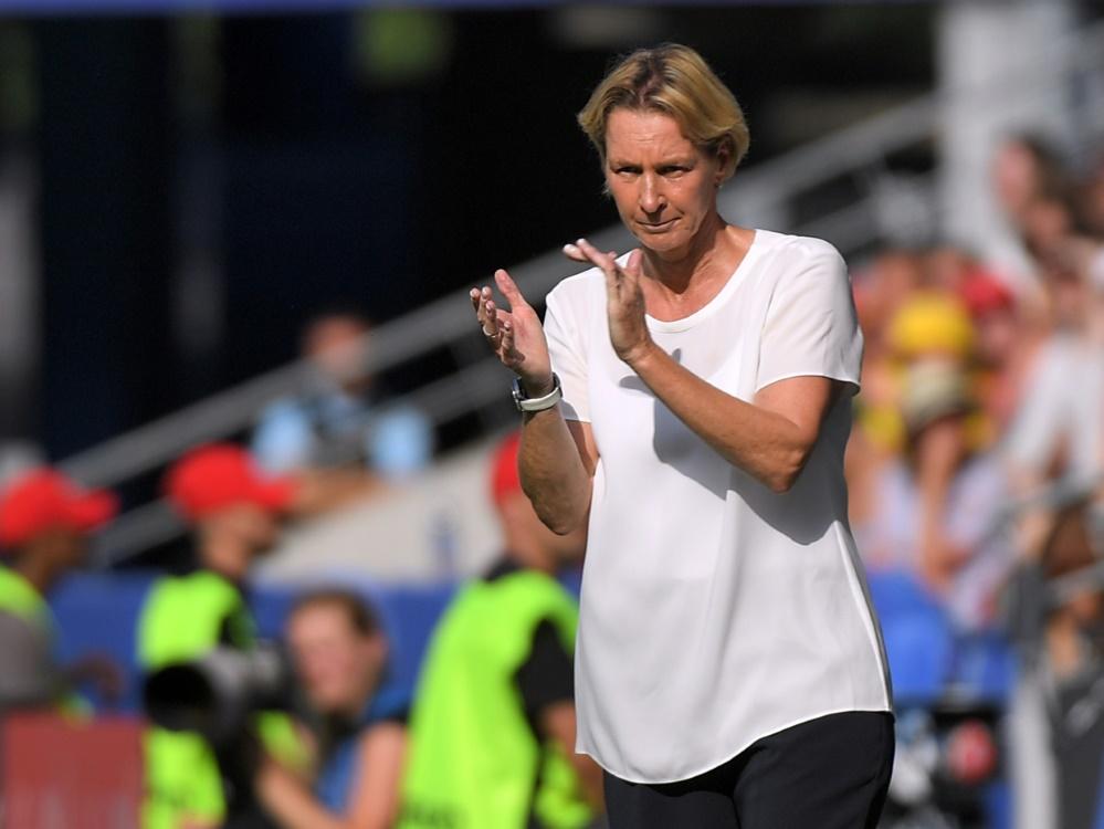 Voss-Tecklenburg freut sich auf die Partie gegen England. ©SID LOIC VENANCE