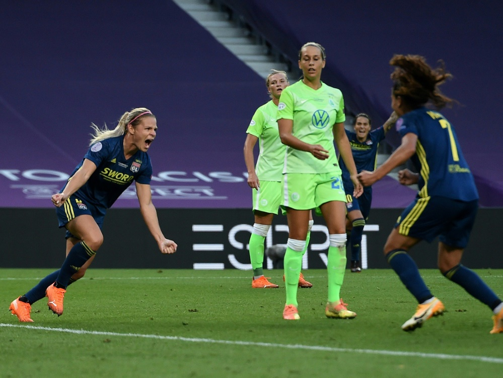 Wolfsburg muss sich Lyon im CL-Finale geschlagen geben. ©FIRO/SID