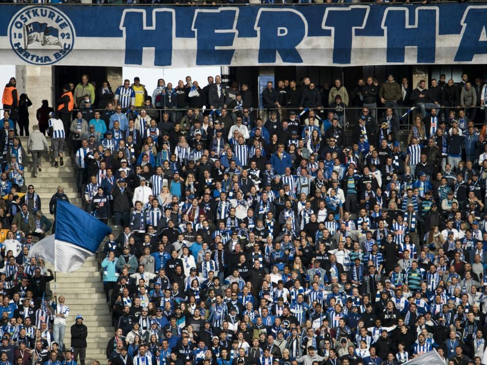 Hertha darf mit 4000 Fans in die neue Saison starten. ©SID ODD ANDERSEN