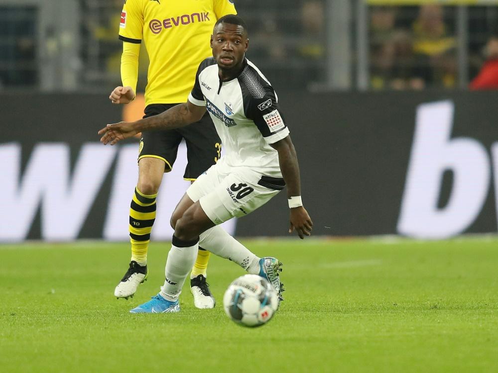 Streli Mamba bleibt vorerst beim SC Paderborn . ©FIRO/SID