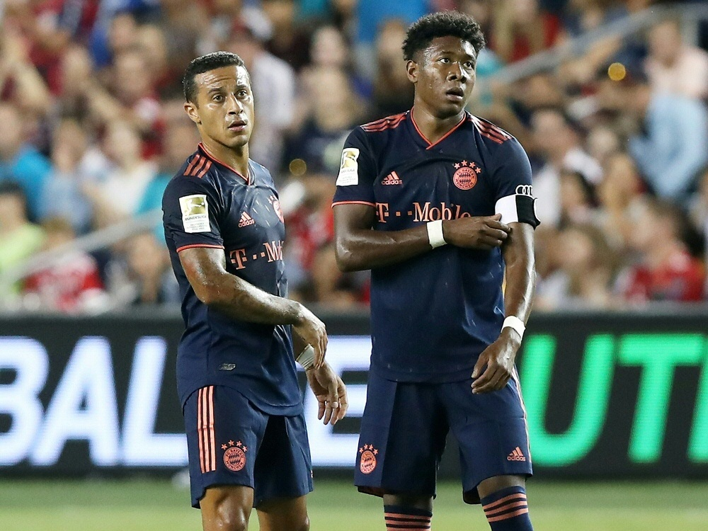 Thiago (l.) und Alaba sind beim Trainingsstart dabei. ©FIRO/SID