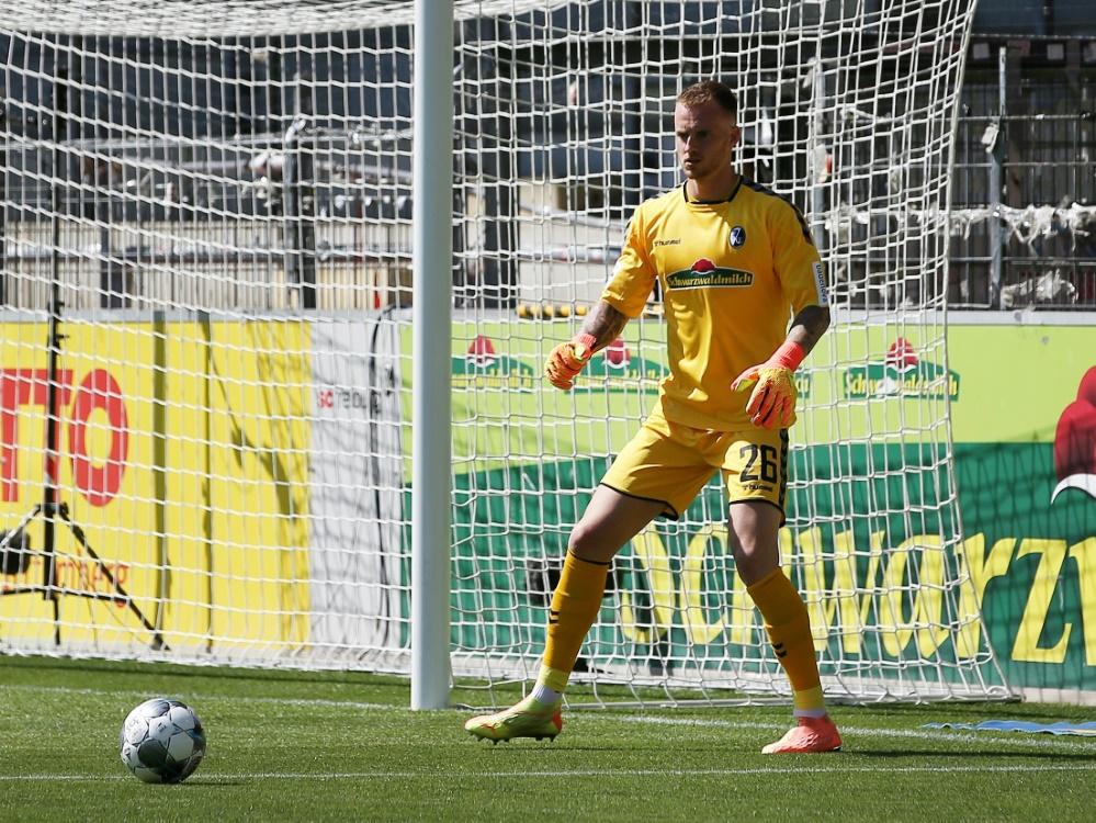 Mark Flekken verletzte sich im Spiel gegen Mannheim. ©FIRO/SID