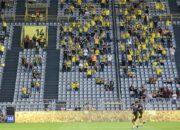 Umfrage: Nur jeder zweite Fußball-Fan will ins Stadion