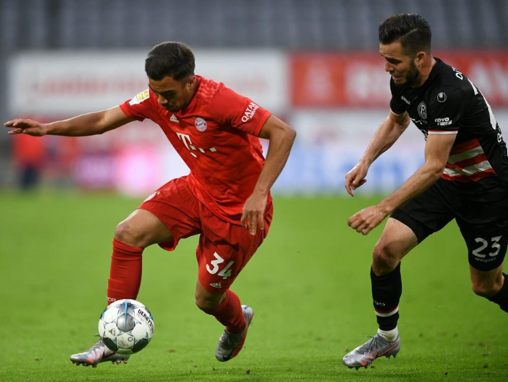 Batista-Meier (l.) wird zum SC Heerenveen verliehen. ©SID CHRISTOF STACHE