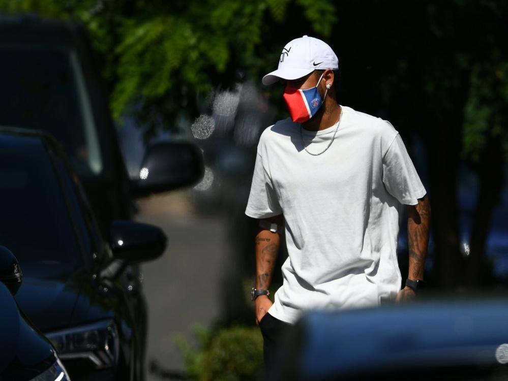Neymar war nach einem Ibiza-Trip positiv getestet worden. ©SID FRANCK FIFE