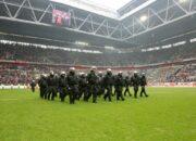 NRW-Klubs und Polizei gründen Stadionallianz - Fanszene übt Kritik