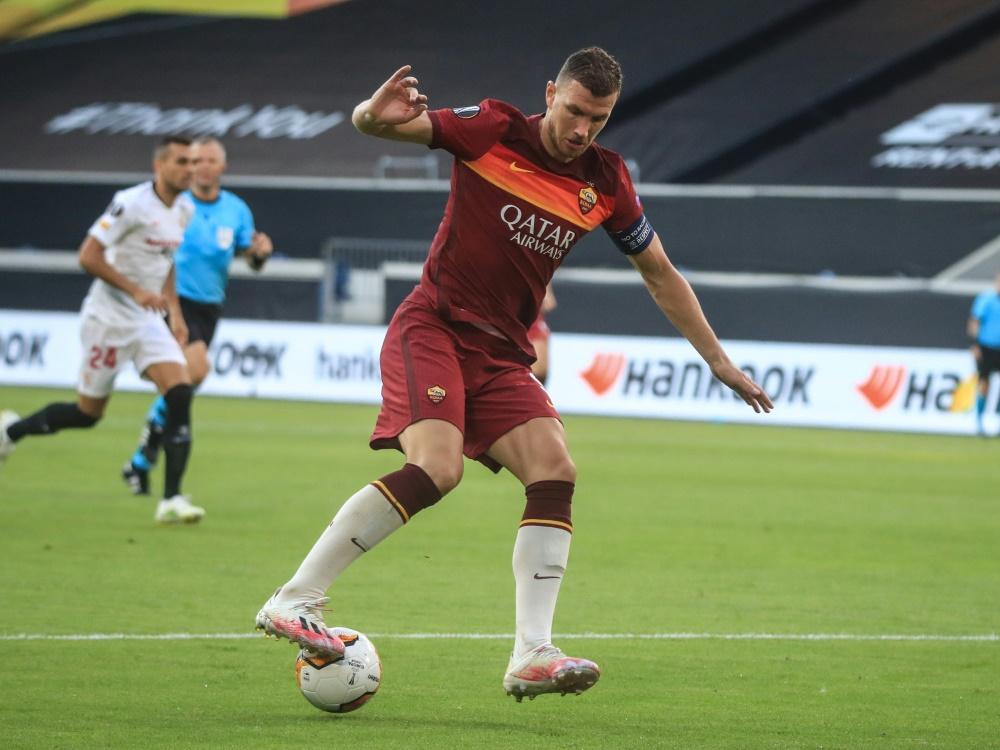 Edin Dzeko steht vor einem Wechsel zu Juventus Turin. ©SID WOLFGANG RATTAY