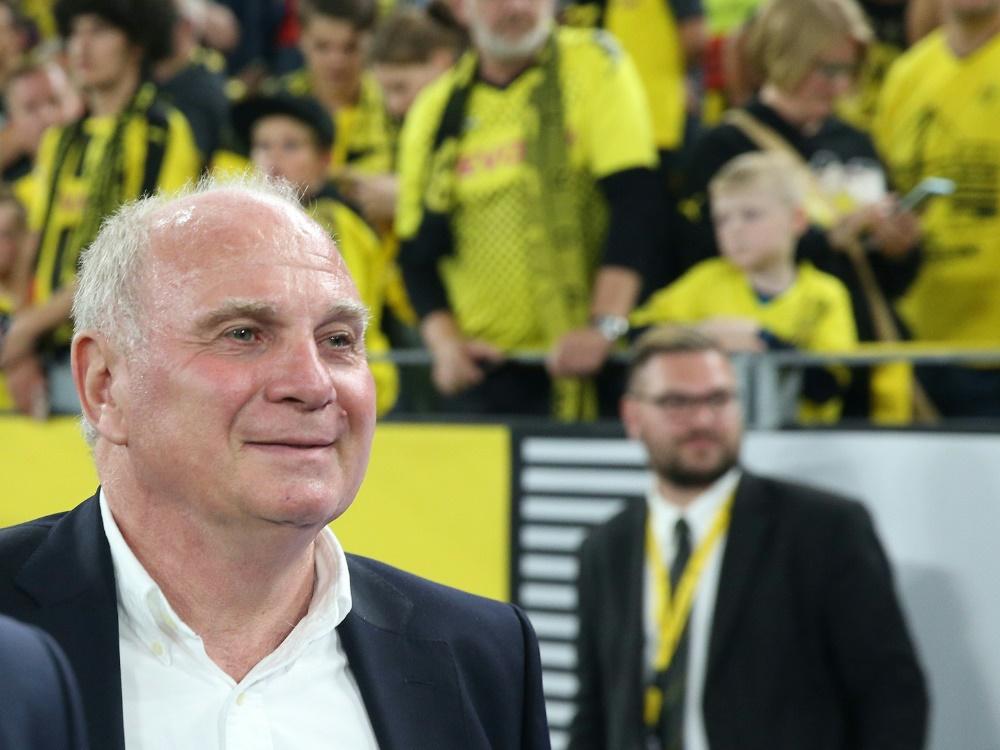 Uli Hoeneß lobt den BVB-Kader. ©FIRO Sportphoto/SID