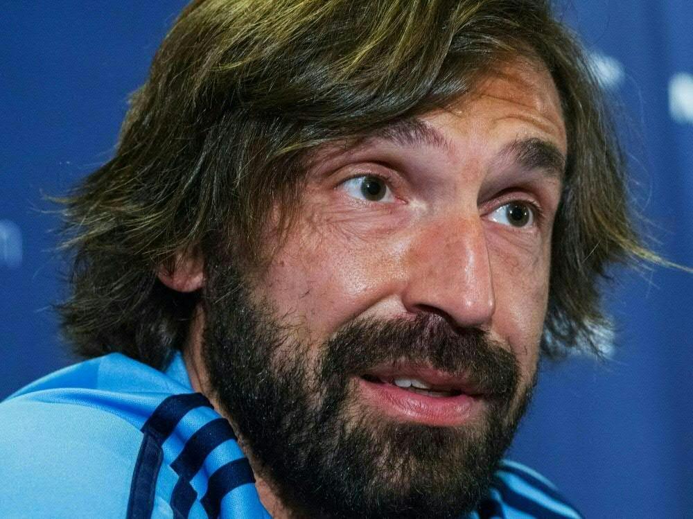 Andrea Pirlo erhält Trainerlizenz vor Saisonstart. ©SID