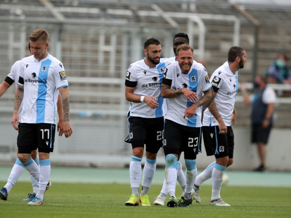 Im DFB-Pokal dabei: Drittligist 1860 München. ©FIRO/SID
