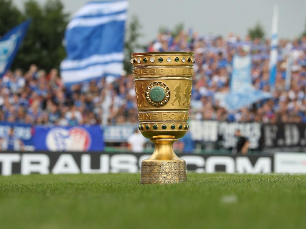 Schalke 04 muss im DFB-Pokal wohl umplanen. ©FIRO/SID