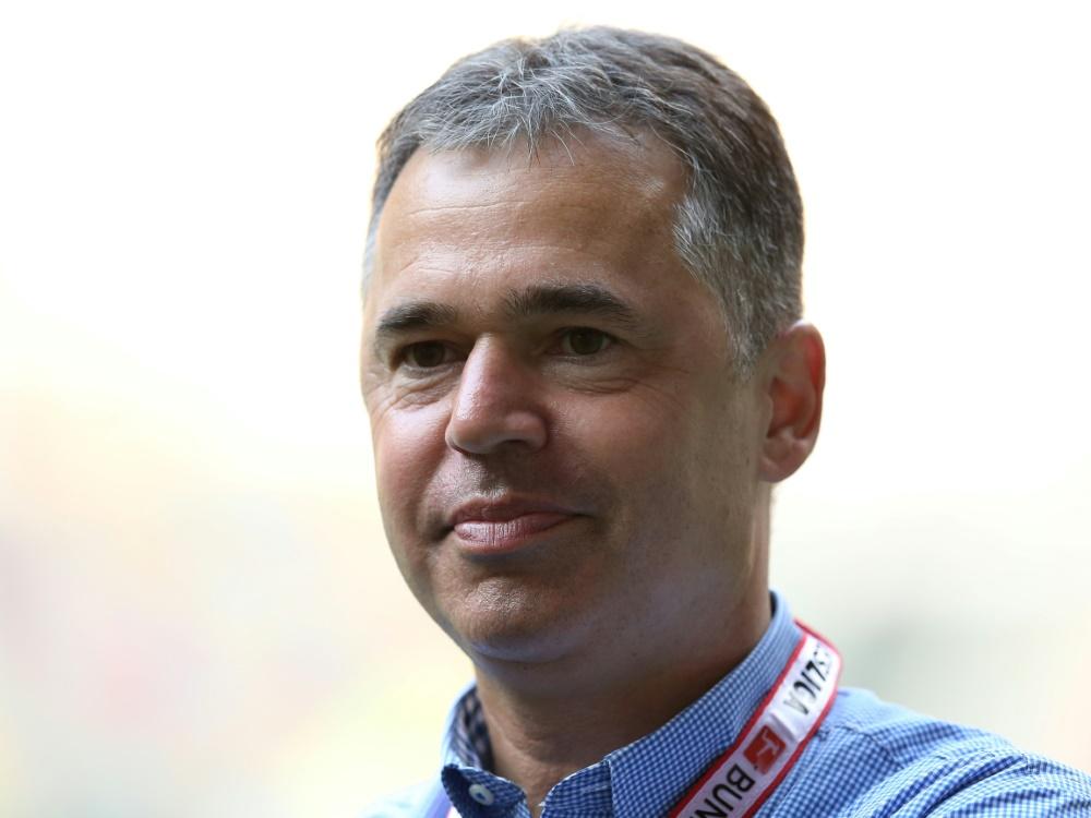 Rettig kritisiert fehlende Chancengleichheit im Fußball. ©FIRO/SID