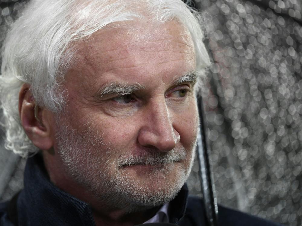 """Rudi Völler will """"wirtschaftlich vertretbar handeln"""". ©SID INA FASSBENDER"""