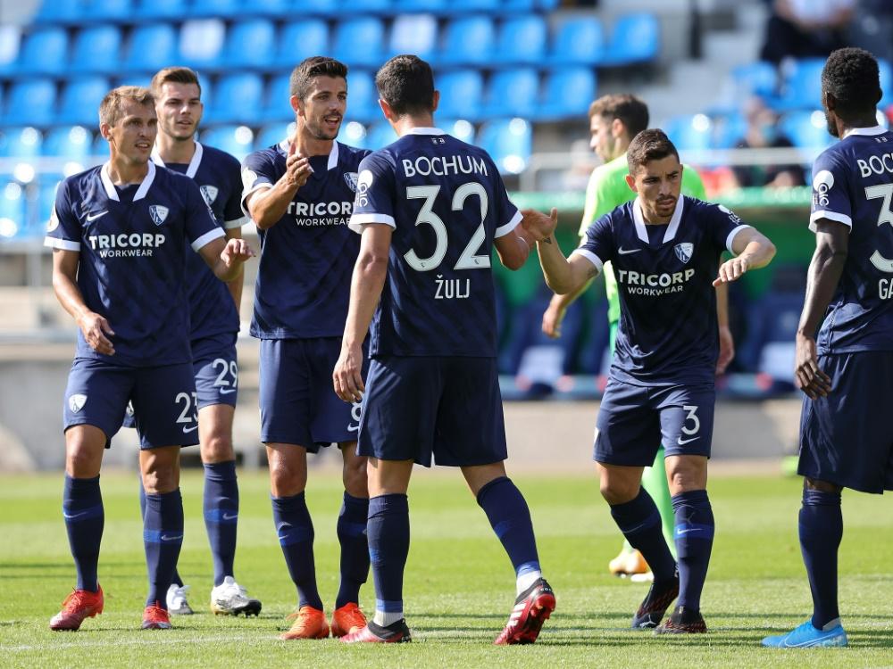 Der VfL Bochum setzt sich gegen Engers durch. ©FIRO/SID