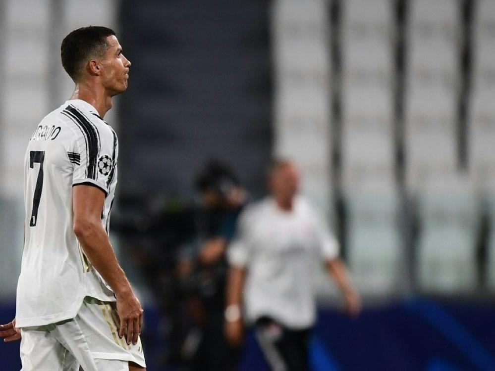 Ohne Fans starten Ronaldo und Juve in die Spielzeit. ©SID MIGUEL MEDINA