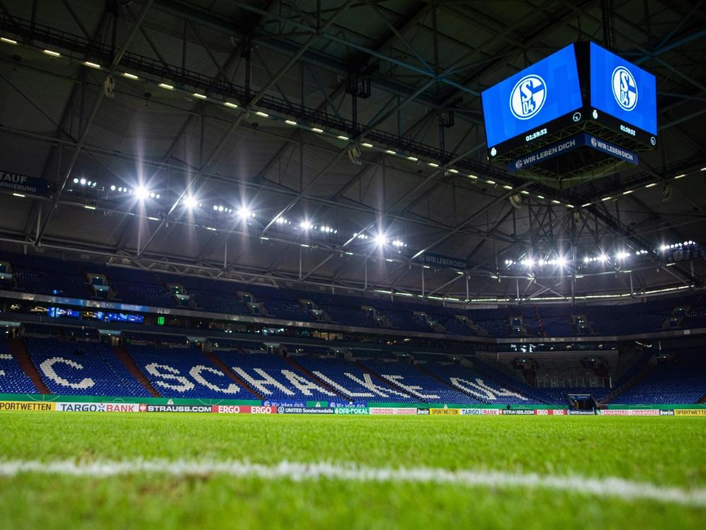Leere oder teilweise gefüllte Ränge auf Schalke?. ©FIRO/SID
