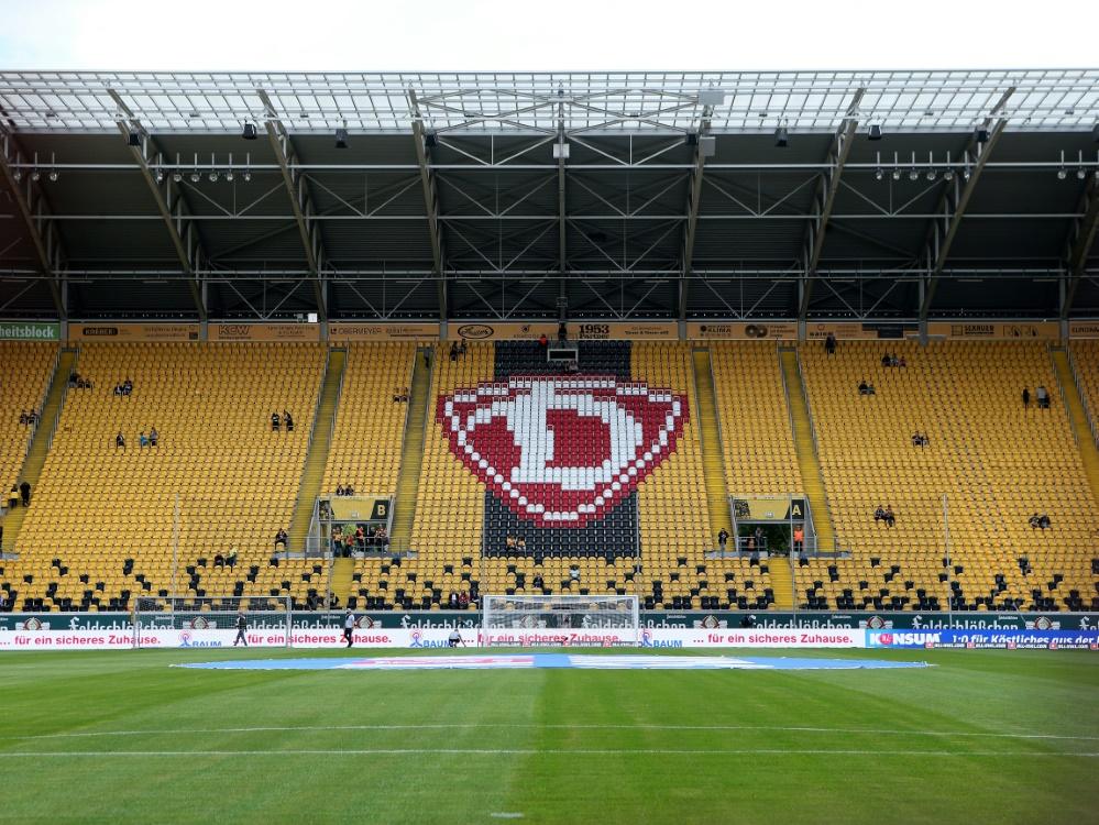 Dresden spielt künftig wieder vor einigen Fans. ©FIRO/SID