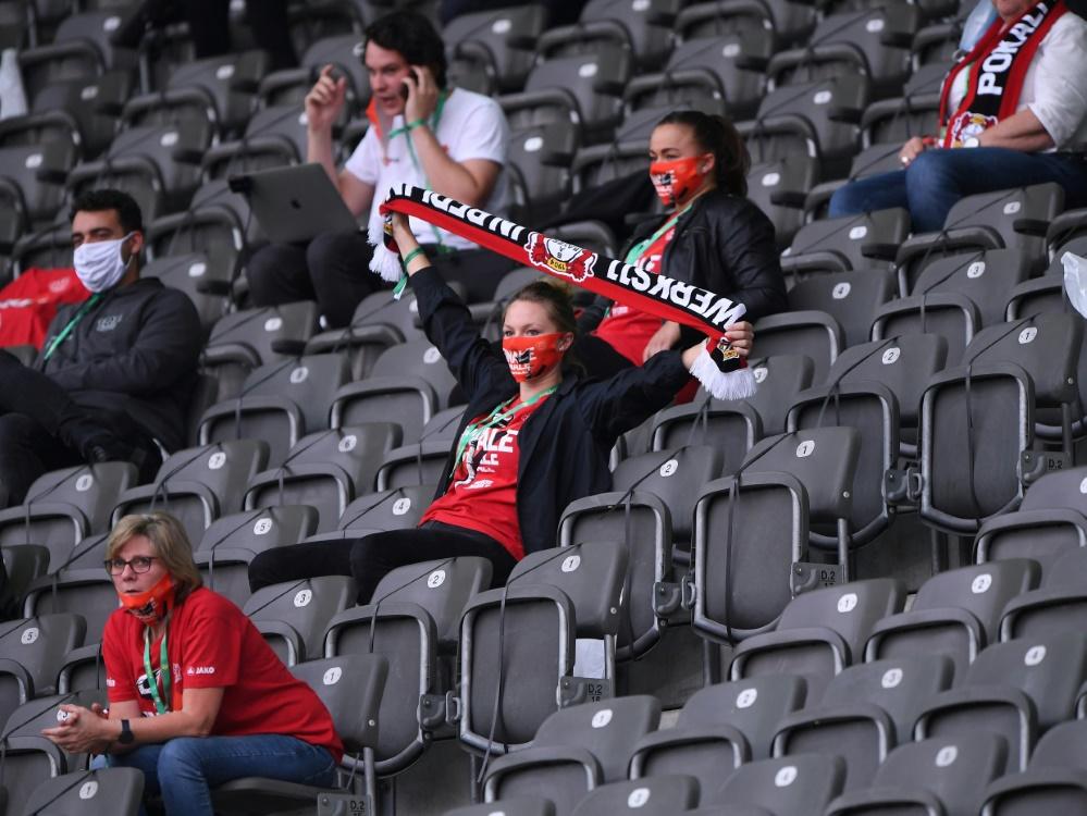Im Pokal vor 300 Zuschauern: Bayer Leverkusen. ©FIRO/SID