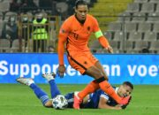 Van Dijk fällt nach Knie-OP auf unbestimmte Zeit aus