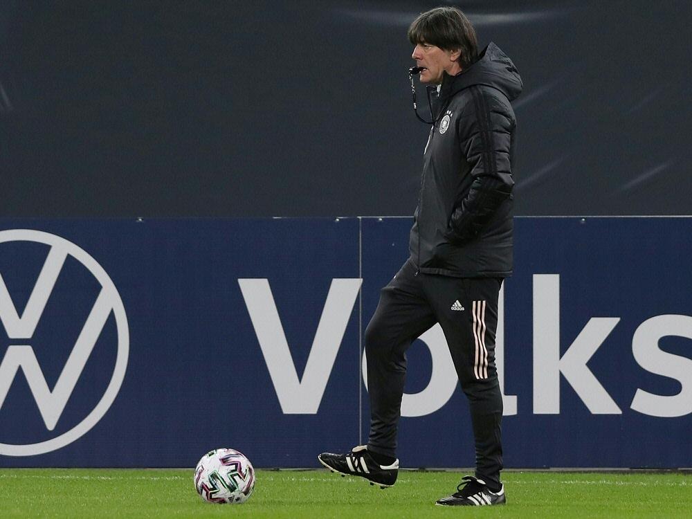 Der großteil des Kaders fehlt dem Bundestrainer noch. ©FIRO/SID