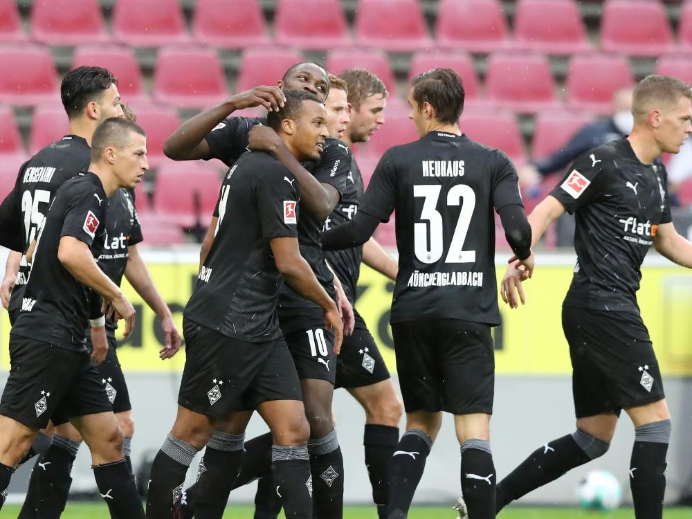Gladbach feiert Derybsieg gegen Köln . ©FIRO/SID
