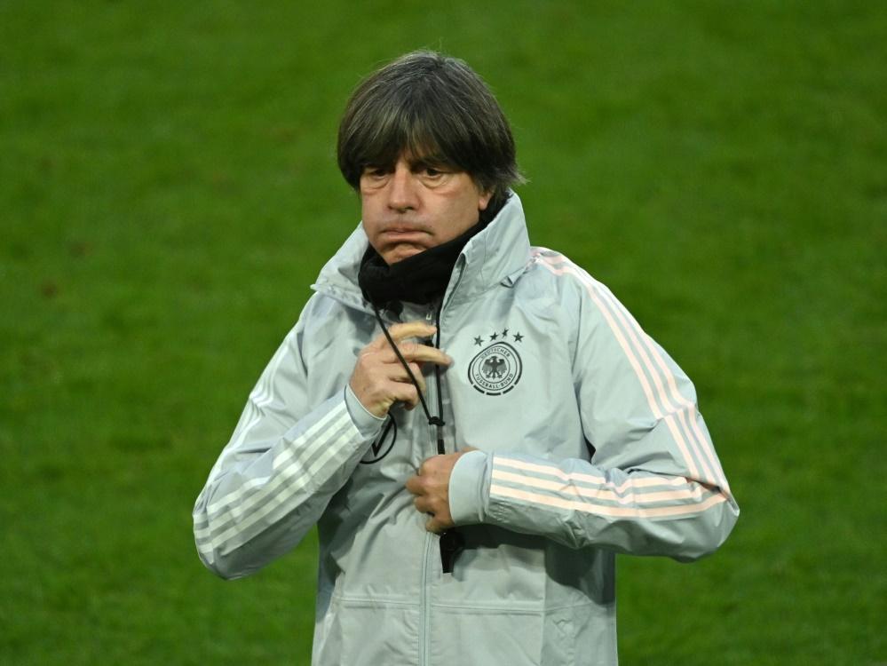 Schlechte Umfragewerte für Bundestrainer Joachim Löw. ©SID INA FASSBENDER