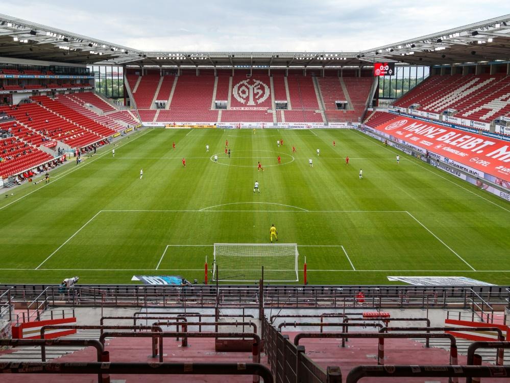 Mainz 05 verzeichnet große finanzielle Verluste. ©FIRO/SID