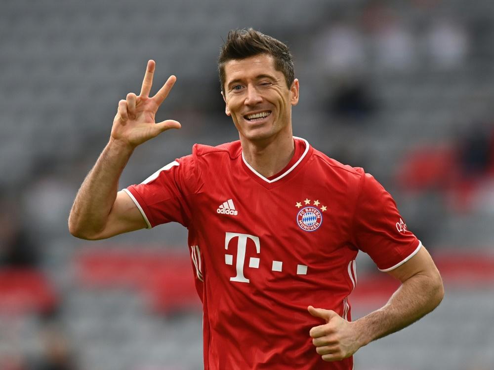 Stürmer Lewandowski trifft gegen Frankfurt dreifach. ©SID CHRISTOF STACHE