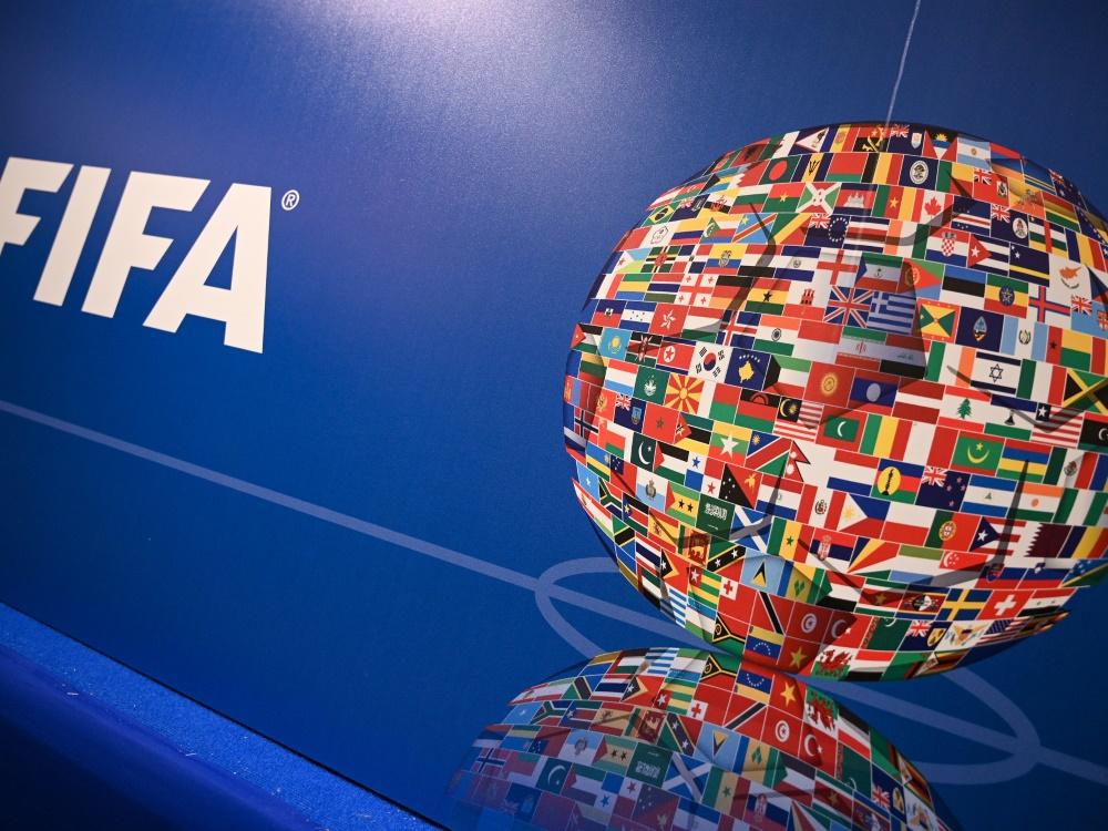 FIFA legt Transferbericht vor. ©SID OZAN KOSE