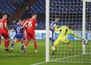 Auch bei Baums Heimdebüt kein Sieg: Schalke verpasst Befreiungsschlag