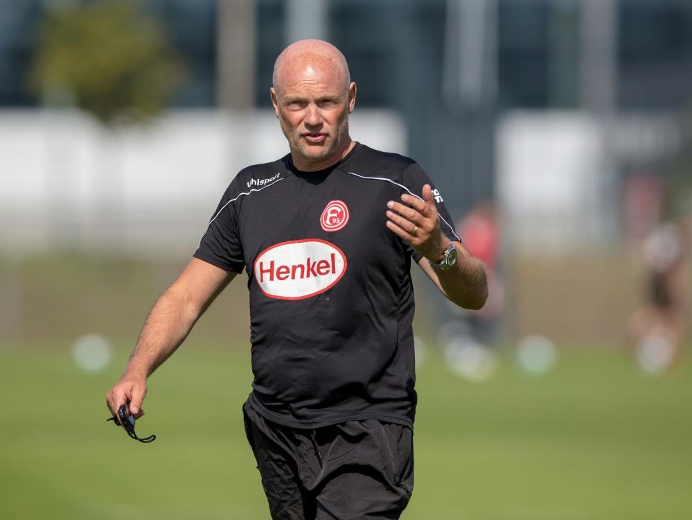 Mit Trainer Uwe Rösler soll der Wiederaufstieg gelingen. ©FIRO/SID