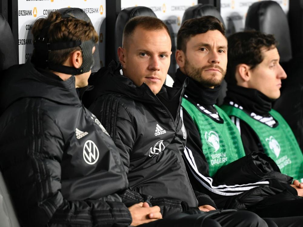 Jonas Hector (2.v.r.) spielt nicht mehr für Deutschland. ©SID INA FASSBENDER