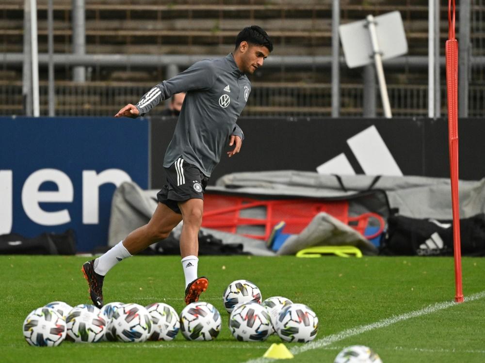 Der Dortmunder Dahoud gibt gegen die Türkei wohl sein Debüt. ©SID INA FASSBENDER