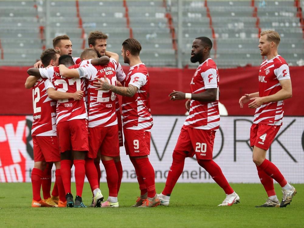 Die Würzburger Kickers bezwingen Hannover 2:1. ©FIRO/SID