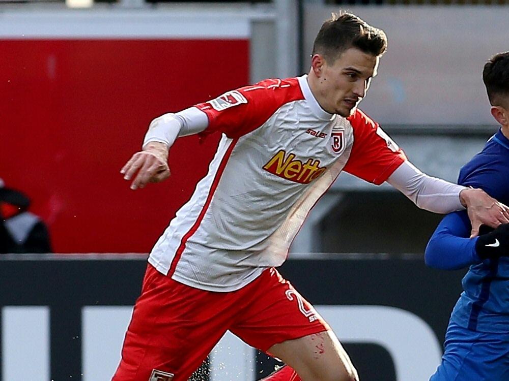 Sebastian Stolze erzielte das 2:0 für Jahn Regensburg. ©FIRO/SID