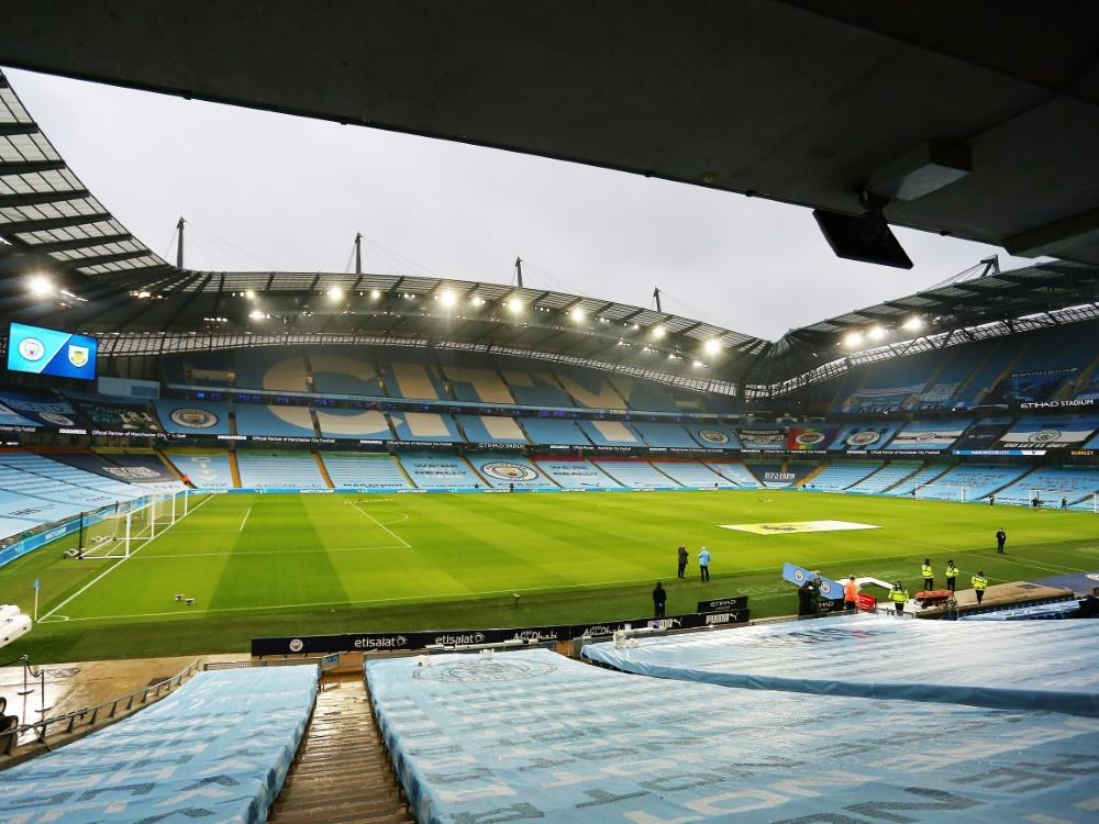 4000 Zuschauer sahen das erste Fußball-Länderspiel. ©FIRO/SID