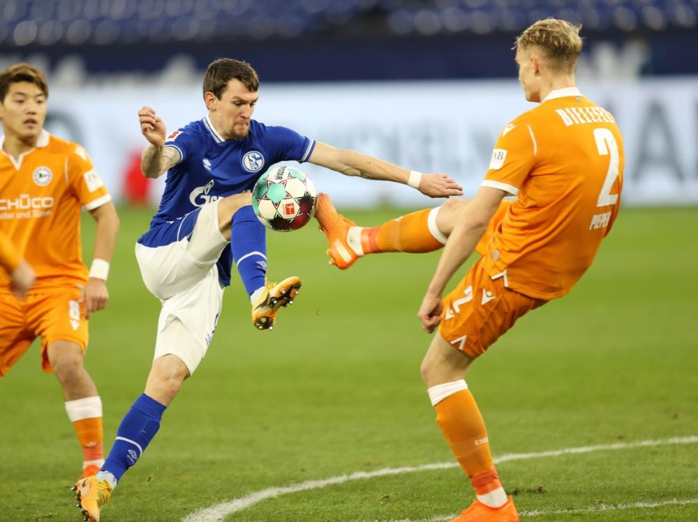 Heimpleite: Schalke 04 unterliegt Arminia Bielefeld 0:1. ©FIRO/SID
