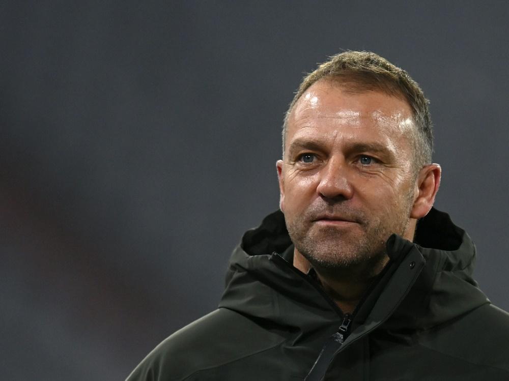Der kicker ehrt Bayern-Trainer Hansi Flick. ©SID CHRISTOF STACHE