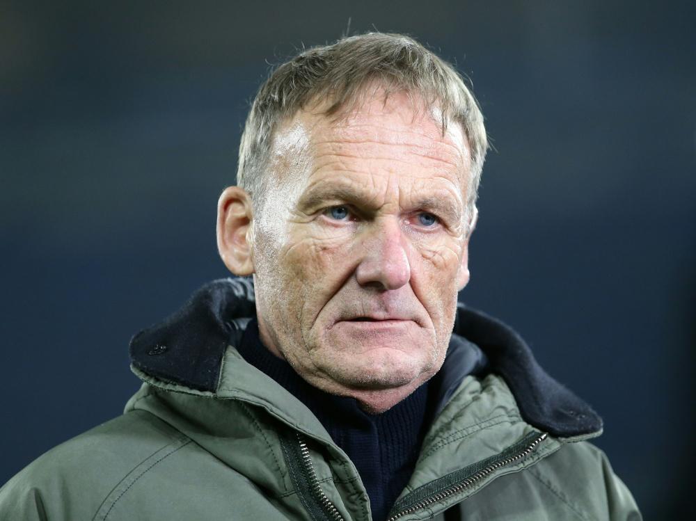Hans-Joachim Watzke verteidigt BVB-Trainer Terzic. ©FIRO/SID